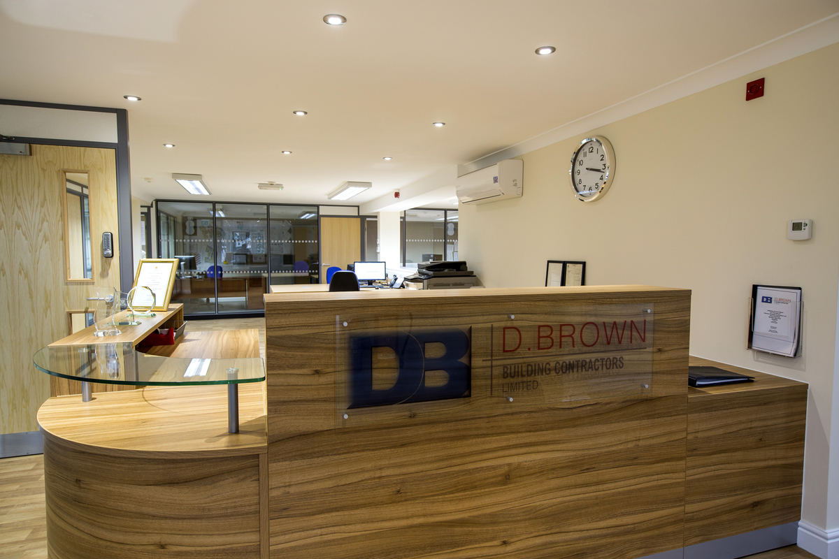 D-BROWN-OFFICE_22-MAY-2015_GNP_4260