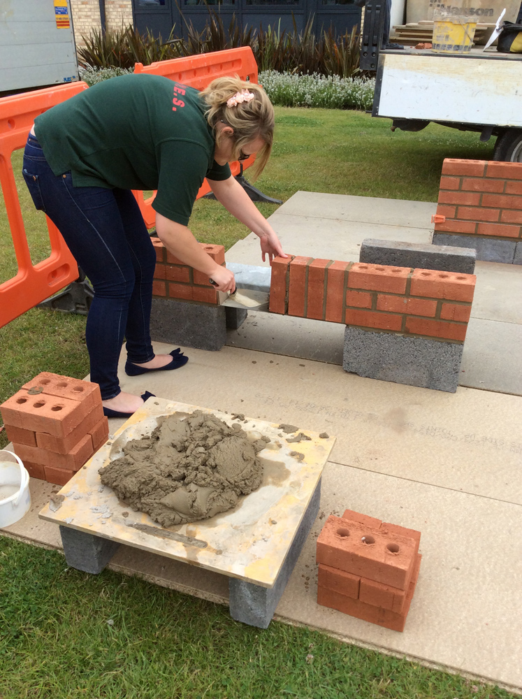 students-bricklaying-dbuilders-02